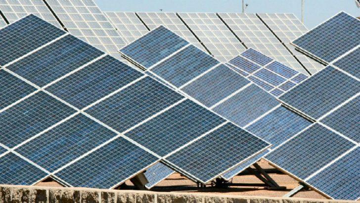 solar-panels-1576178-800x450 (Image Credit Freeimages.com/Joe Zlomek)