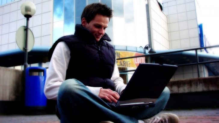 guy-with-laptop-1243596 Image credit Freeimages/Renxx Gmdr