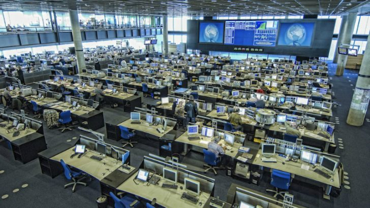 Klm Selects Unisys For It Services