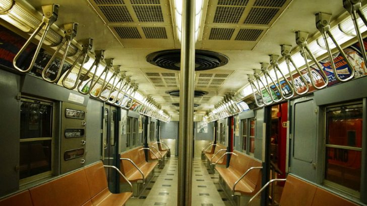 New York MTA Subway car By Mtattrain (Own work) [CC BY-SA 3.0 (http://creativecommons.org/licenses/by-sa/3.0)], via Wikimedia Commons