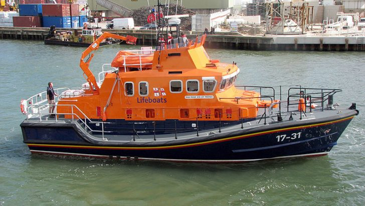 Severn Class RNLI Lifeboat By Photographed by Adrian Pingstone (Own work) [Public domain], via Wikimedia Commons