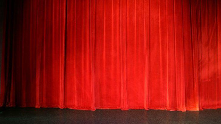 Show a presentation using a USB Stick - Source Image: FreeImages.com / Richard Dudley
