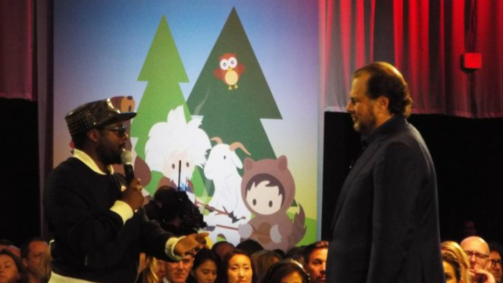 Will.i.am and Marc Benioff talk education in the spirit of ohana. at the Dreamforce keynote (Image copyright S. Brooks 2016)